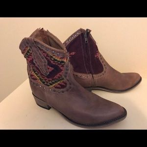 Steven Madden Leather Cowboy Booties NWT SZ 8.5